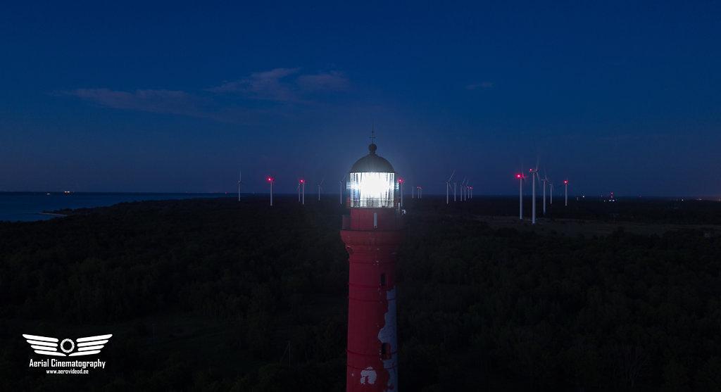 Pakri tuletorn ööpimeduses